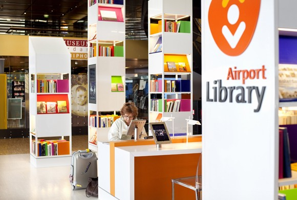 The World's First Airport Library!